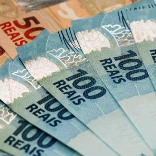 Cresce o número de brasileiros que ganham um salário mínimo