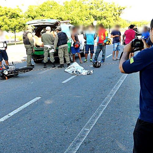 Mototaxista morre após colisão com colega de trabalho no litoral do Piauí