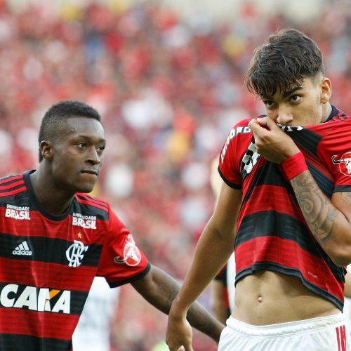 Flamengo goleia o Sport no Maracanã e garante a liderança