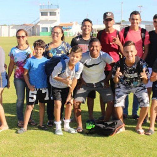 Jovens de Simões participam de peneirão do Atlético- PR em Paulistana
