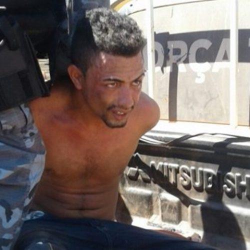 Homem é preso após assaltar farmácia com arma de brinquedo