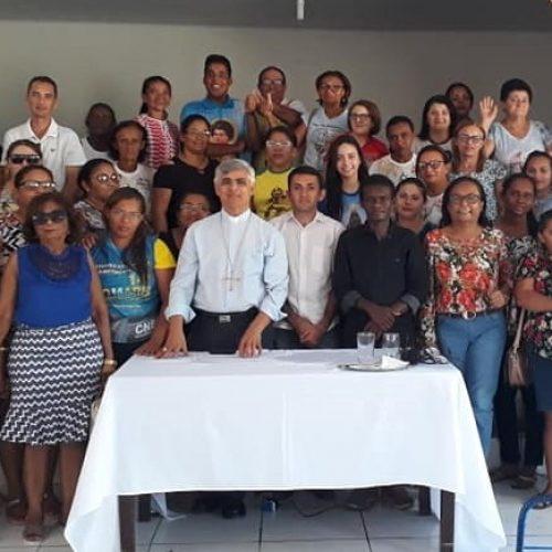 JAICÓS | Bispo Dom Plínio reúne-se com comunidade e planeja Visita Pastoral Missionária à Paróquia
