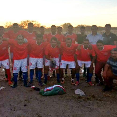 GEMINIANO | Prefeito Erculano visita comunidade e entrega uniforme de futebol para time