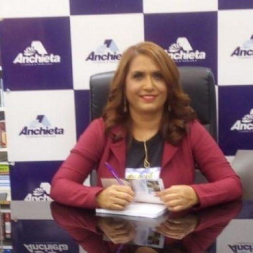 Conheça a professora e escritora de Alagoinha do Piauí, Eva Graça Brito