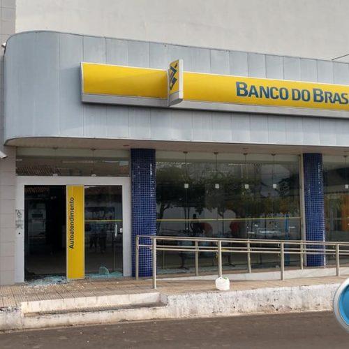 Criminosos explodem duas agências bancárias e fazem reféns em Oeiras