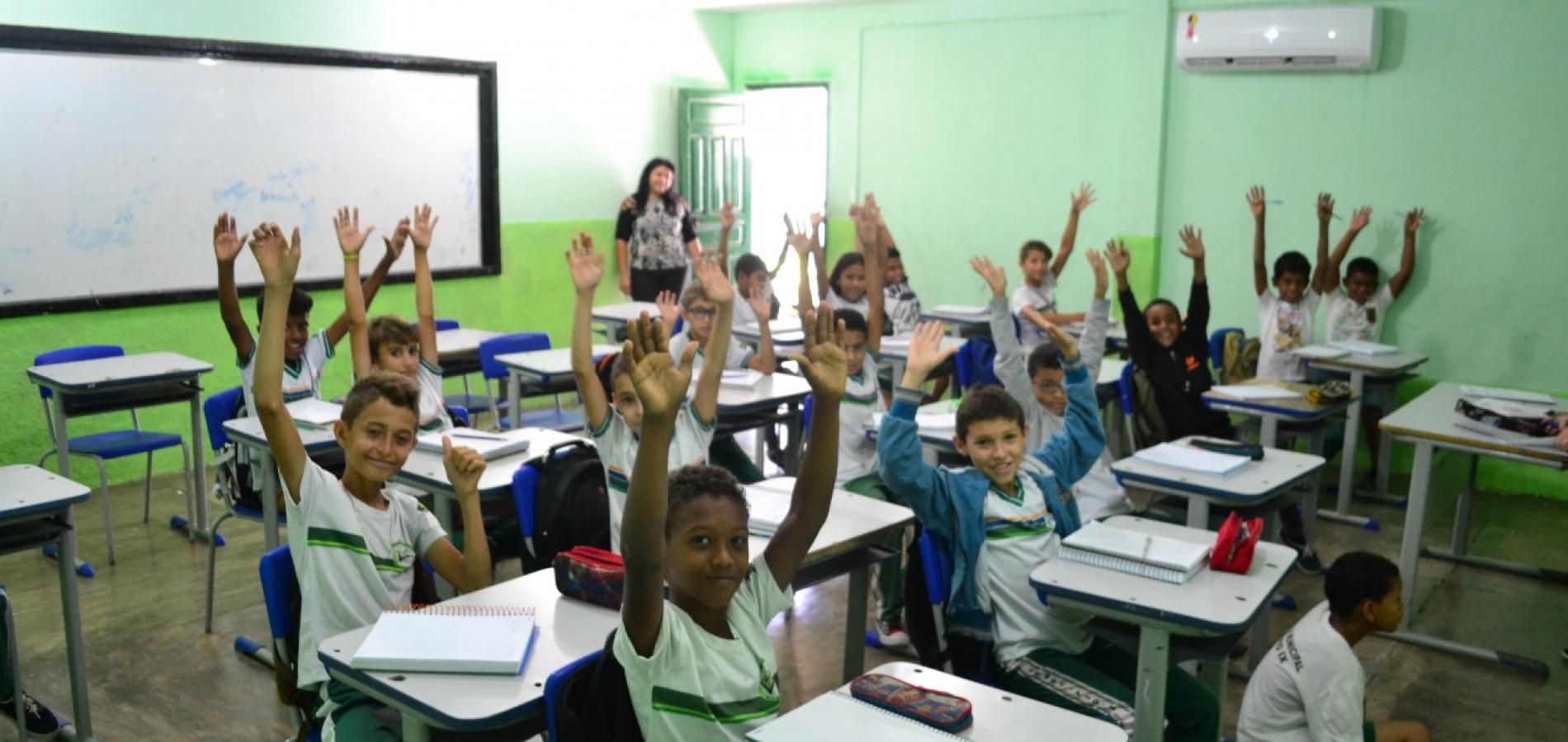 PIO IX | Escolas da rede municipal iniciam 2 º semestre letivo com atividades lúdicas e premiações para alunos destaques