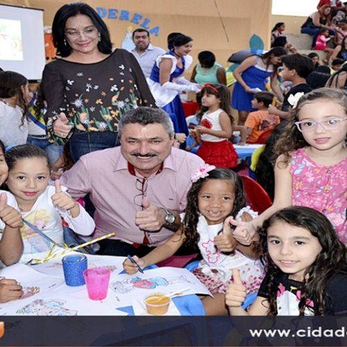 Simões avança em Educação e atinge meta do IDEB para 2021