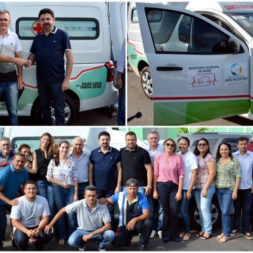 Prefeito Barroso Neto entrega nova ambulância à Saúde em Santa Cruz do Piauí