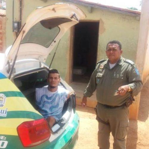 Polícia prende jovem acusado de tráfico de drogas em São Julião