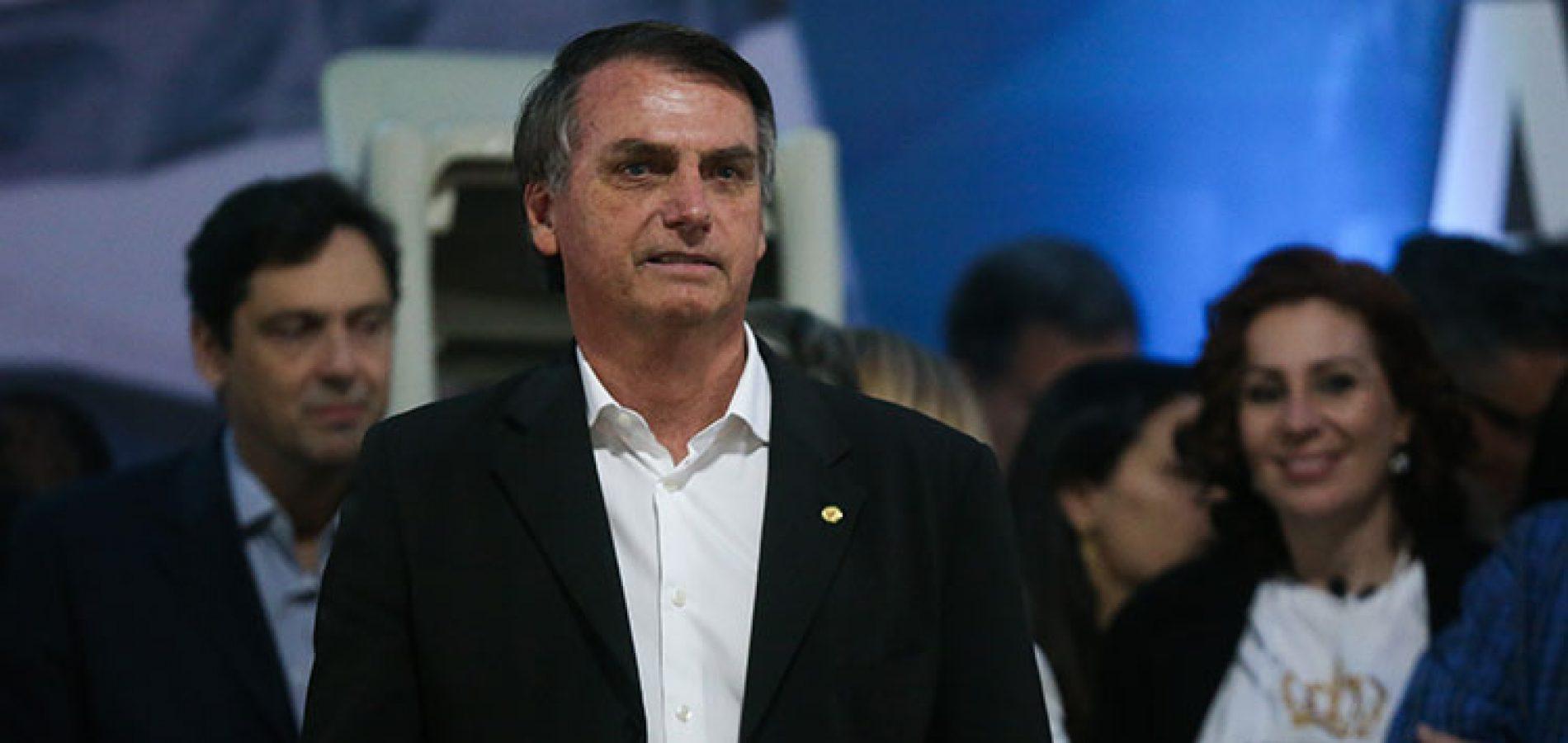 Vice de Bolsonaro defende nova Constituição sem Constituinte