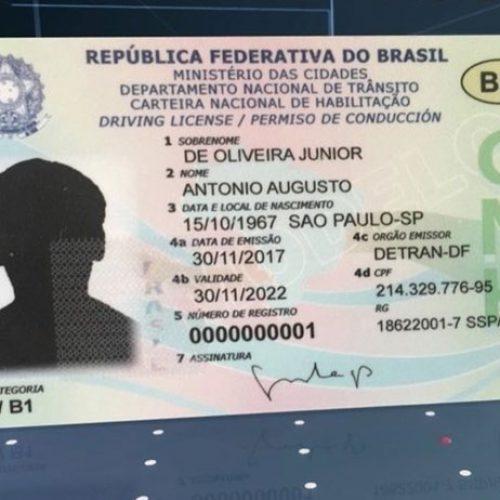 Carteira de motorista terá formato de cartão de crédito e recursos antifraude