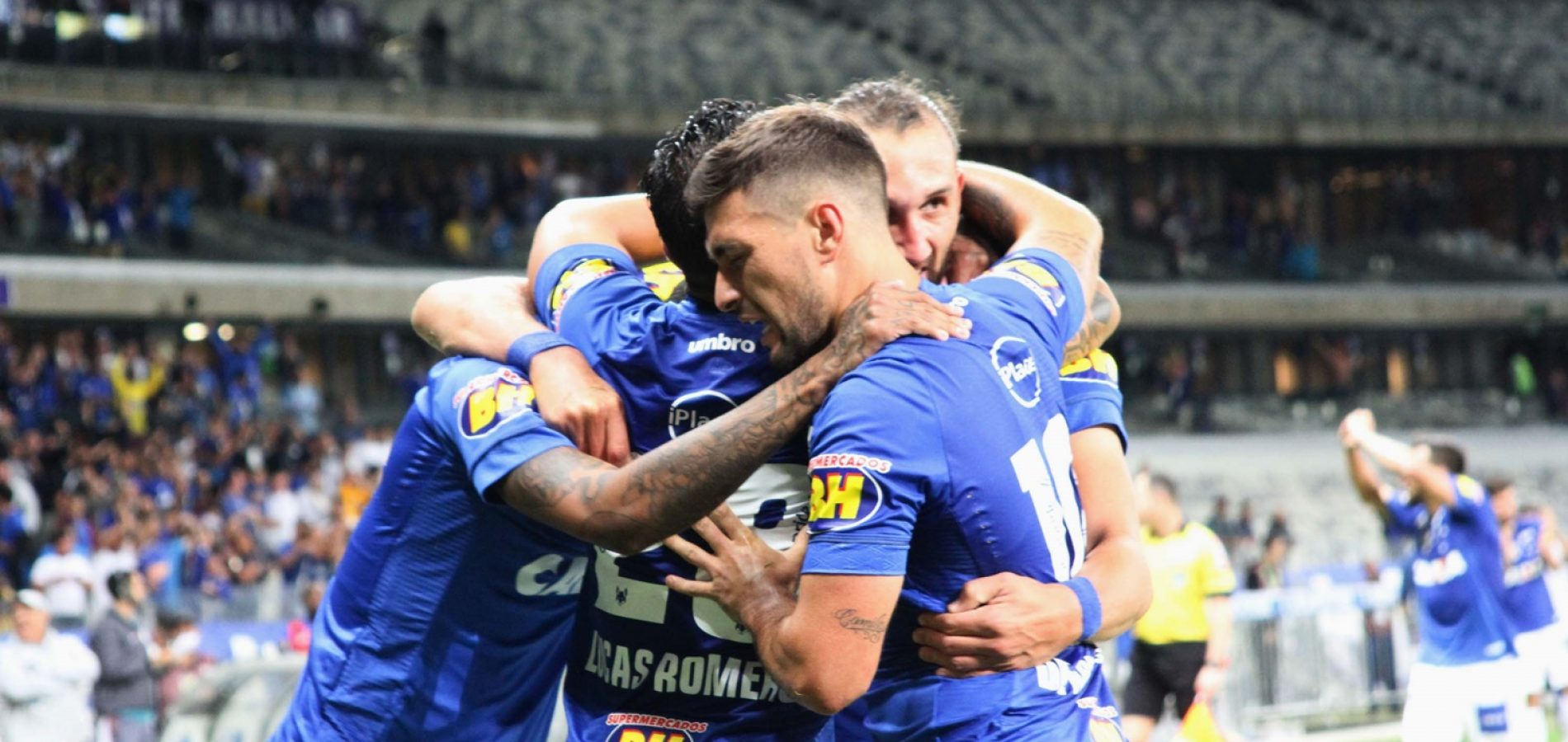 Cruzeiro surpreende e vence o Flamengo no Maracanã