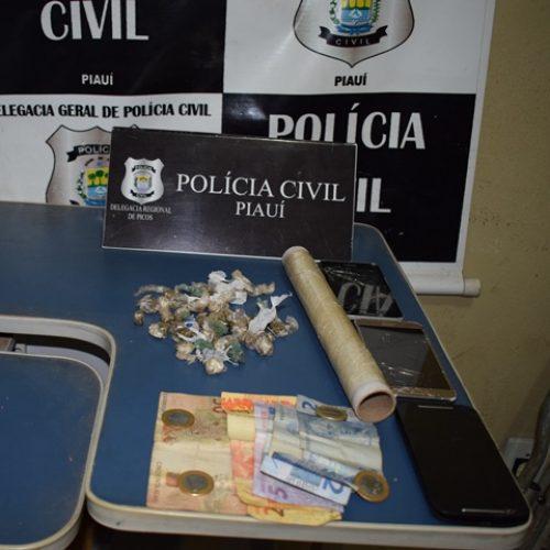 Polícia Civil apreende droga avaliada em R$ 7 mil, dois foram presos