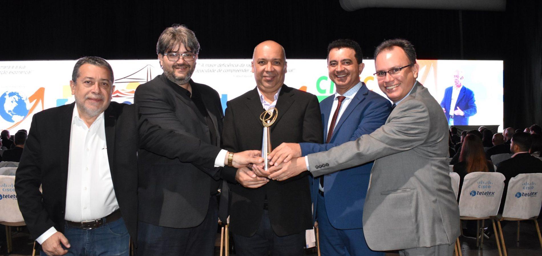 Piauí recebe troféu nacional de tecnologia com o app Salve Maria