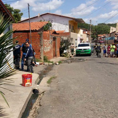 Lavador de carros é morto ao sair de casa para comprar biscoitos no Piauí