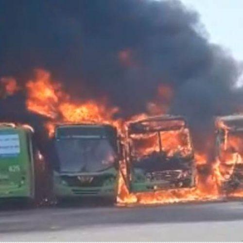 Garagem da Transcol pega fogo e ônibus são incendiados