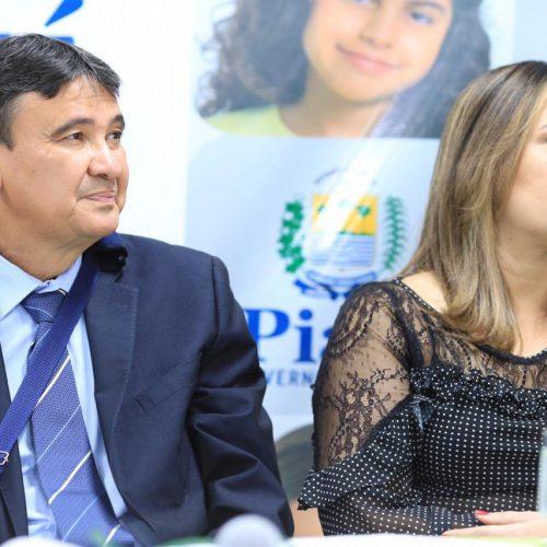 Rejane Dias e Wellington discutem paralisação dos professores