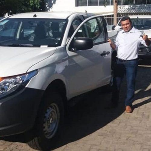 JAICÓS   Prefeito Neném de Edite recebe novo veículo para a Saúde