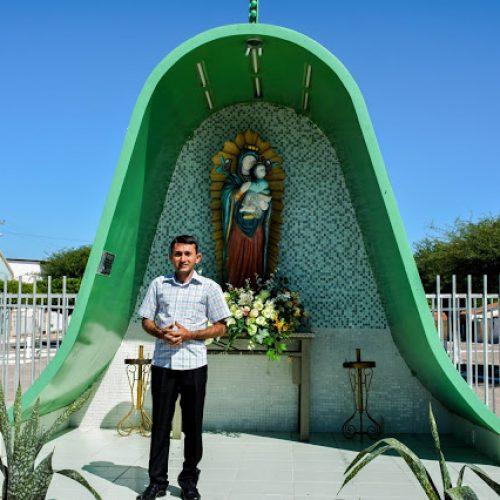Padre Gildo manifesta sua felicidade de poder ser o novo pároco da paróquia de Fronteiras