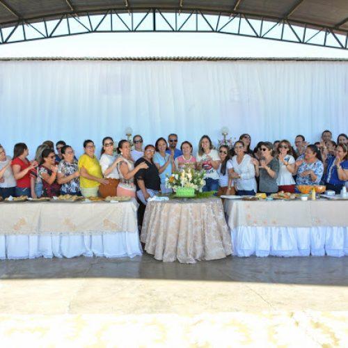 FRONTEIRAS   Equipe da Educação promove aniversário surpresa para a secretária Verônica