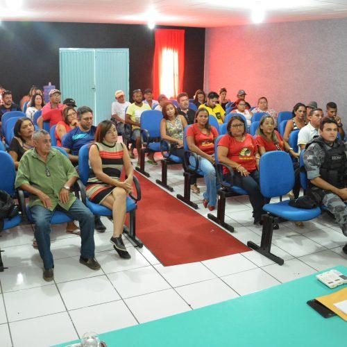 MP reúne donos de bares e alerta sobre venda de bebidas alcoólicas a menores nos festejos de Jaicós