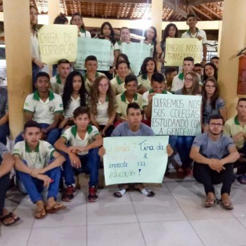 Seduc se manifesta sobre greve de alunos por falta de transporte no PI