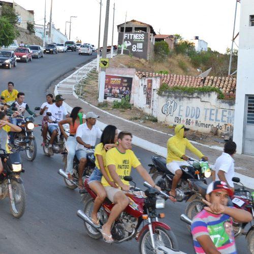 Apoiadores de Bolsonaro realizam grande carreata em Jaicós; veja fotos e vídeo