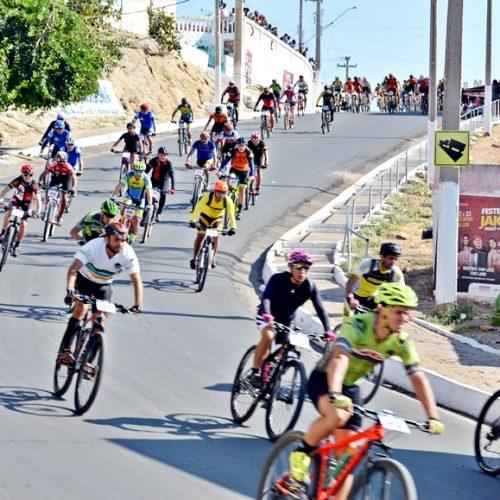 Confira fotos do II Desafio do Galo Mountain Bike em Jaicós