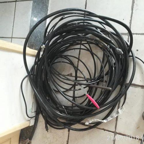 Homem é preso em flagrante cortando fios de operadora