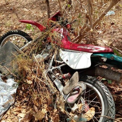 Motociclista de 47 anos morre ao colidir em árvore no Piauí