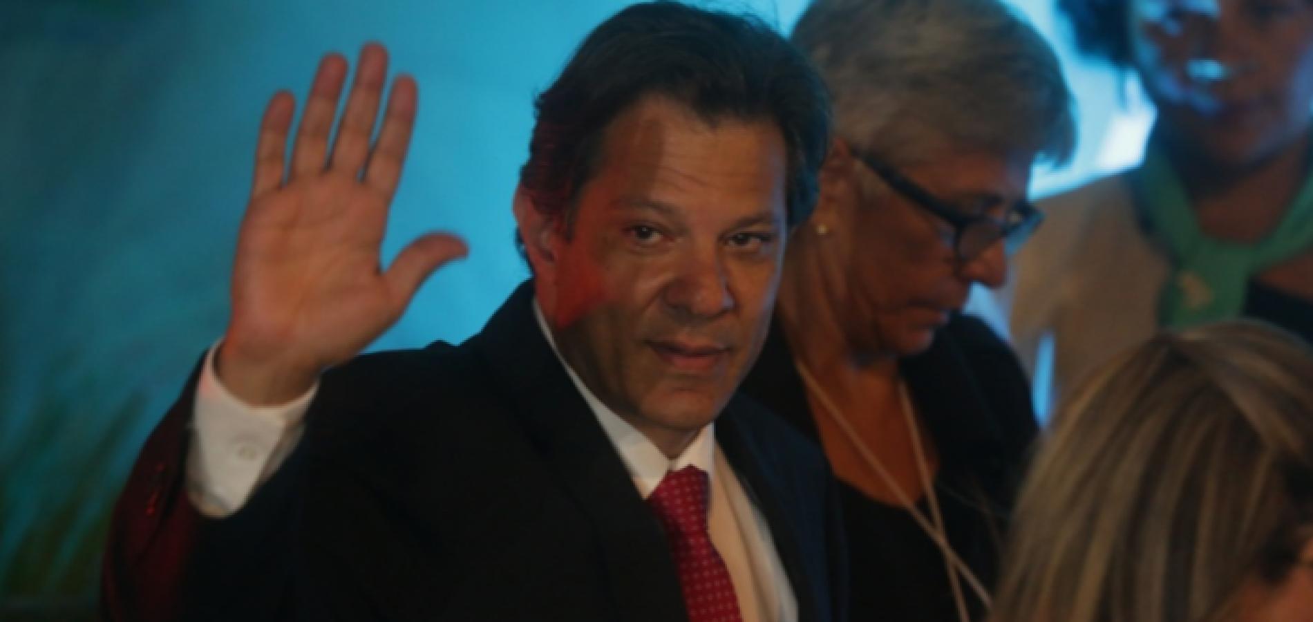 Haddad acusa Bolsonaro de divulgar 'fake news vulgares' contra sua família
