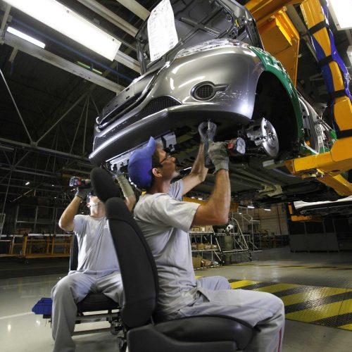Crise já atinge 36% dos setores industriais no Brasil