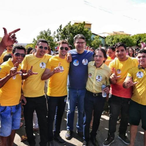 Candidato Luciano Nunes faz campanha em Francisco Santos