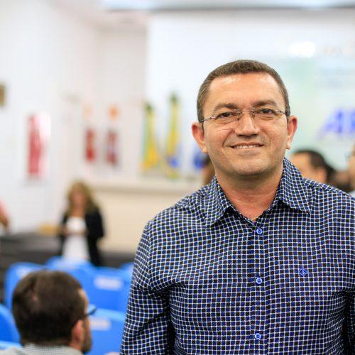 Ciro Nogueira declara que não quer sua imagem ligada ao Pe. Walmir Lima