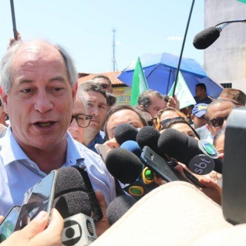 Em campanha no Piauí, Ciro Gomes defende 'trabalho para os pais' e 'educação para os filhos'