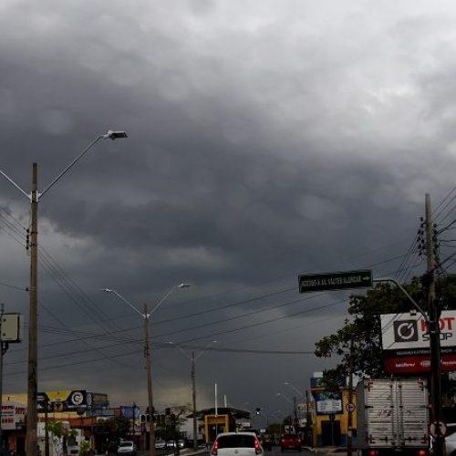 Previsão é que chuvas diminuam e período chuvoso comece em janeiro
