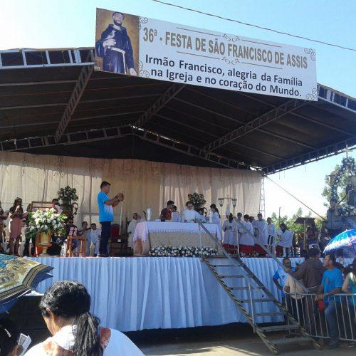 Missa de São Francisco de Assis em Picos reúne cerca de trinta mil fiéis; veja fotos