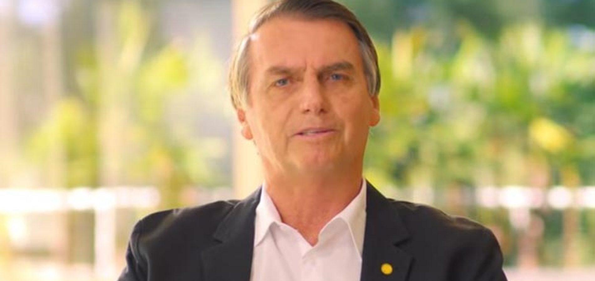 Bolsonaro promete 13º para beneficiários do Bolsa Família