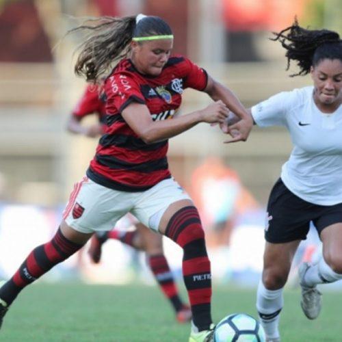 Corinthians vence Flamengo e vai à final do Brasileirão feminino