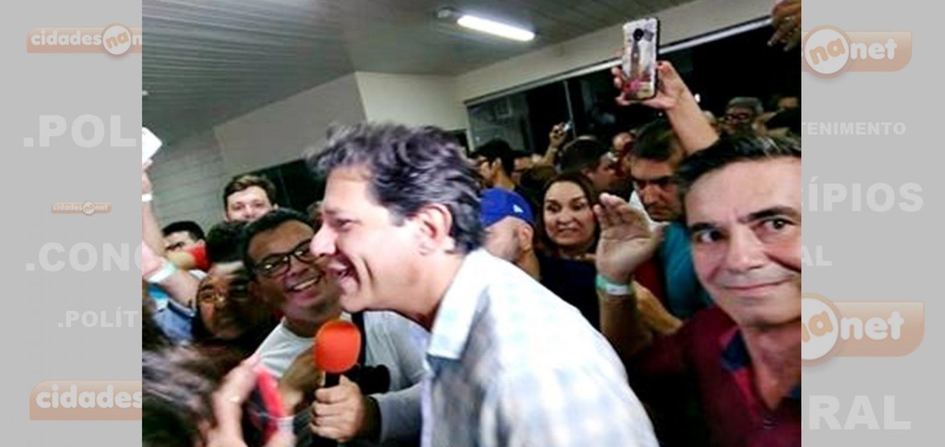Prefeito Erculano participa de comício e reafirma voto em Haddad