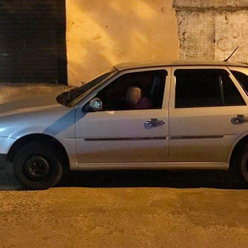 Suspeito que postou nas redes sociais foto dentro de carro roubado já fez mais de 15 vítimas