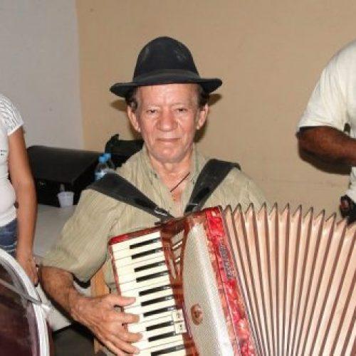 """Morre aos 75 anos """"Rafael Dedo de Ouro"""", famoso sanfoneiro de Monsenhor Hipólito e região"""