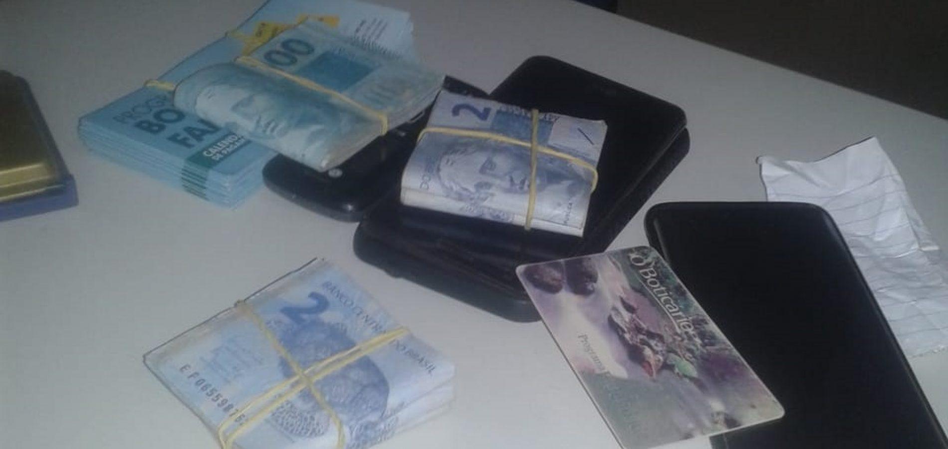 Dupla é presa acusada de praticar 'saidinha de banco' em Picos
