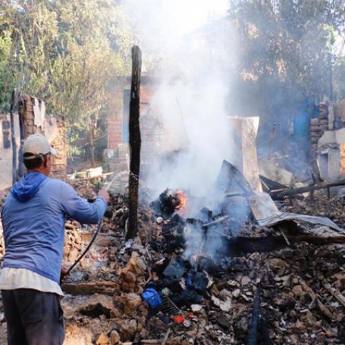 Incêndio de grandes proporções atinge casas no Piauí