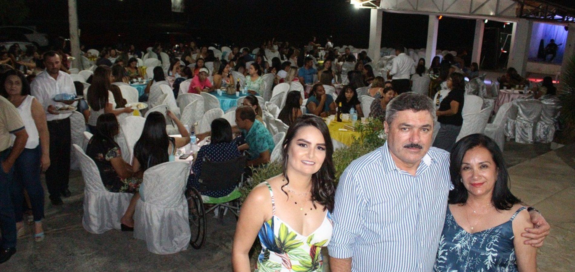 Educação de Simões realiza evento em comemoração ao dia do professor