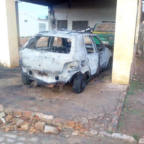Polícia investiga incêndio de viatura e assalto no interior do Estado