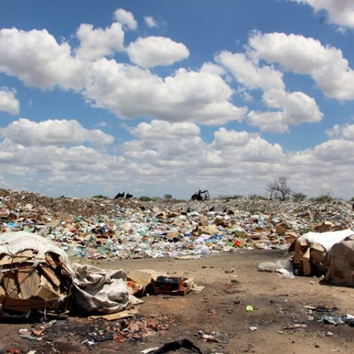 126 cidades do PI não têm licenciamento para depósito de lixo