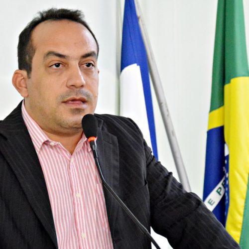 Vereador Márcio Crisanto registra candidatura à presidência da Câmara de Jaicós