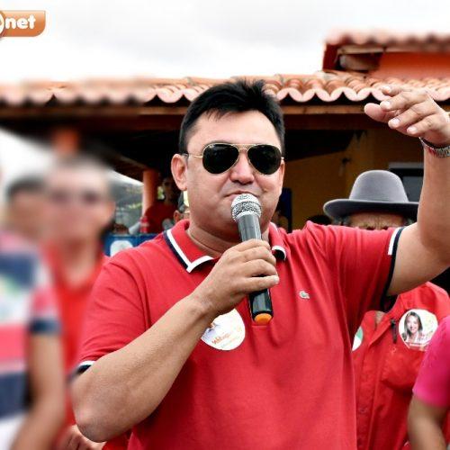 Prefeito Márcio Alencar anuncia atrações do tradicional Réveillon em Alegrete do Piauí. Veja!