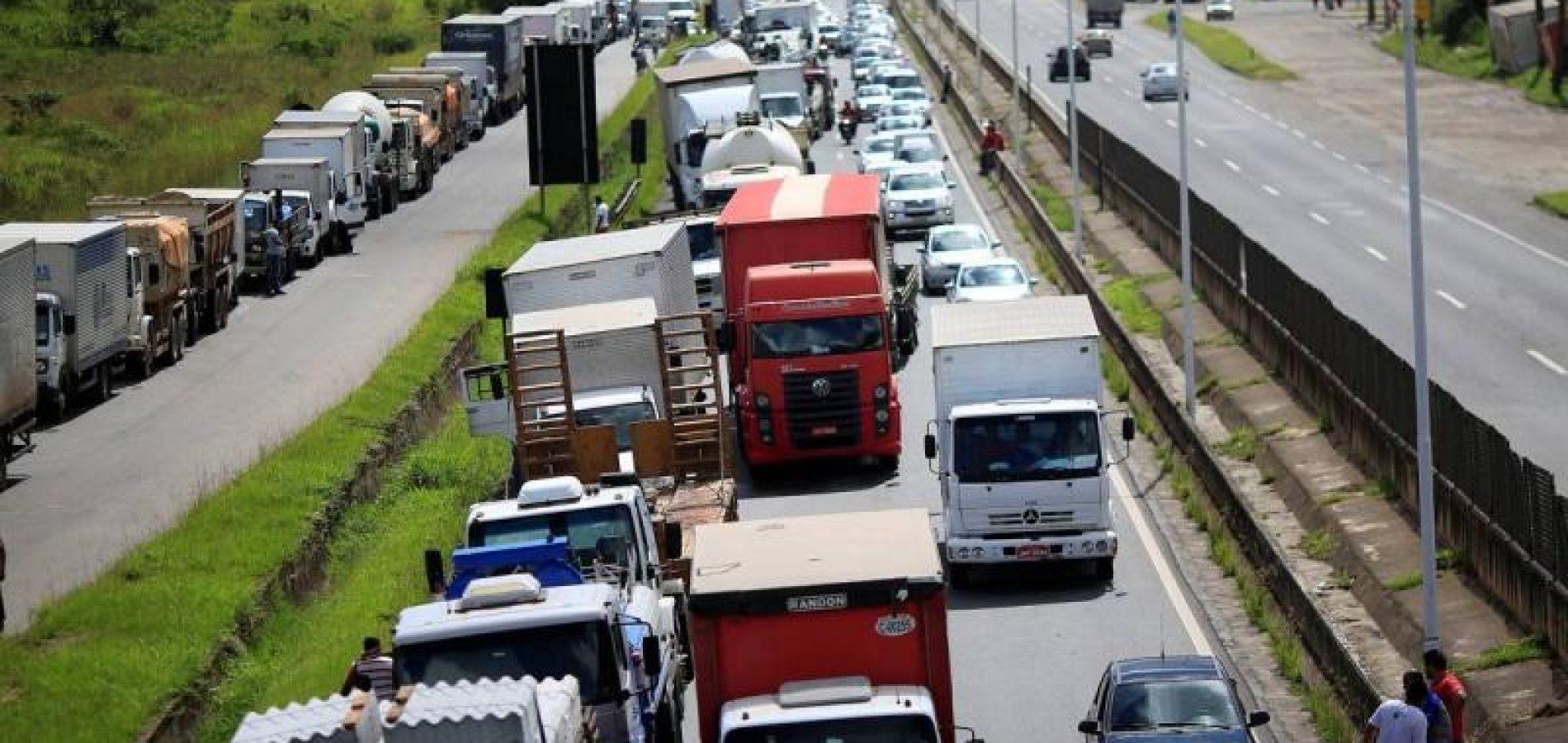 Caminhoneiros do Piauí vão paralisar suas atividades neste sábado